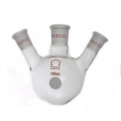 Колба трехгорлая круглодонная Kimble 50 мл, боковые шлифы 14/20 под углом к центральному 19/22, стекло (Артикул 295500-0050)
